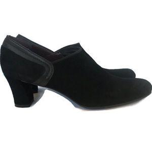 Stuart Weitzman Ladies Shoes Black Size 8